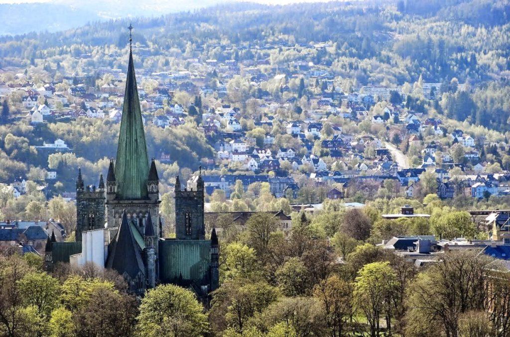 Вертолетные прогулки в Тронхейме: северная сказка с высоты птичьего полета